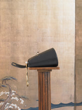 Load image into Gallery viewer, Artisanal Hepha Clutch - Black