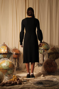 Sculpture sleeve Wave knit dress - Black