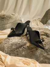 Load image into Gallery viewer, Artisanal Cova Heeled Mules - Black