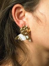 Load image into Gallery viewer, Numa Earrings - Gold/Jour - Pair