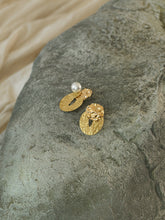 Load image into Gallery viewer, Mena Earrings - Gold