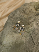 Load image into Gallery viewer, Plala Earrings - Gold/Black