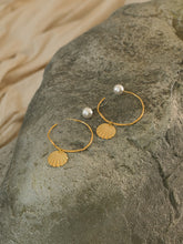 Load image into Gallery viewer, Coquina Earrings - Gold