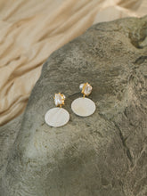 Load image into Gallery viewer, Idama Earrings - Gold/White