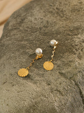 Load image into Gallery viewer, Attina Earrings - Gold