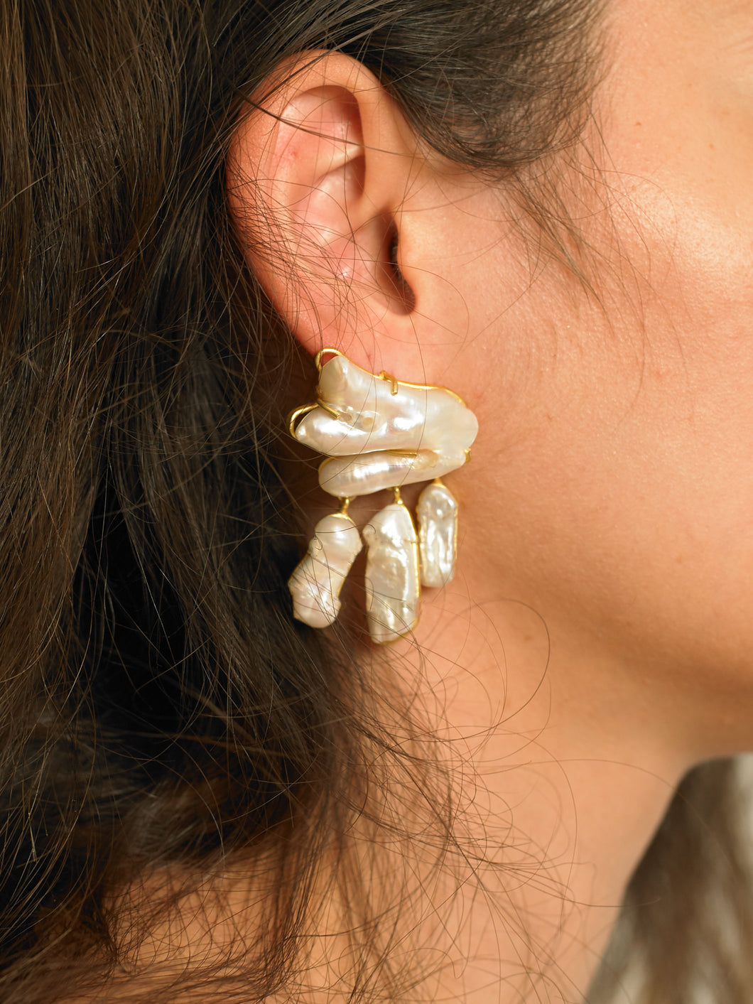 Vanura Earrings - Gold/White - Pair