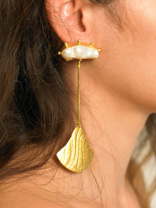 Baha Earrings - Gold/White - Pair