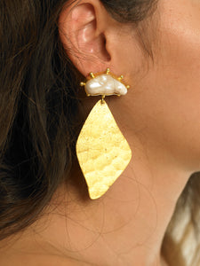 Nahla Earrings - Gold - Pair