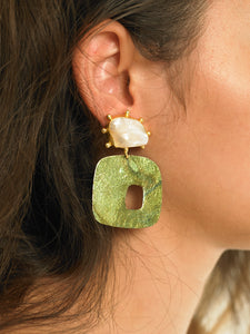 Sika Earrings - Gold/Amos Green - Pair