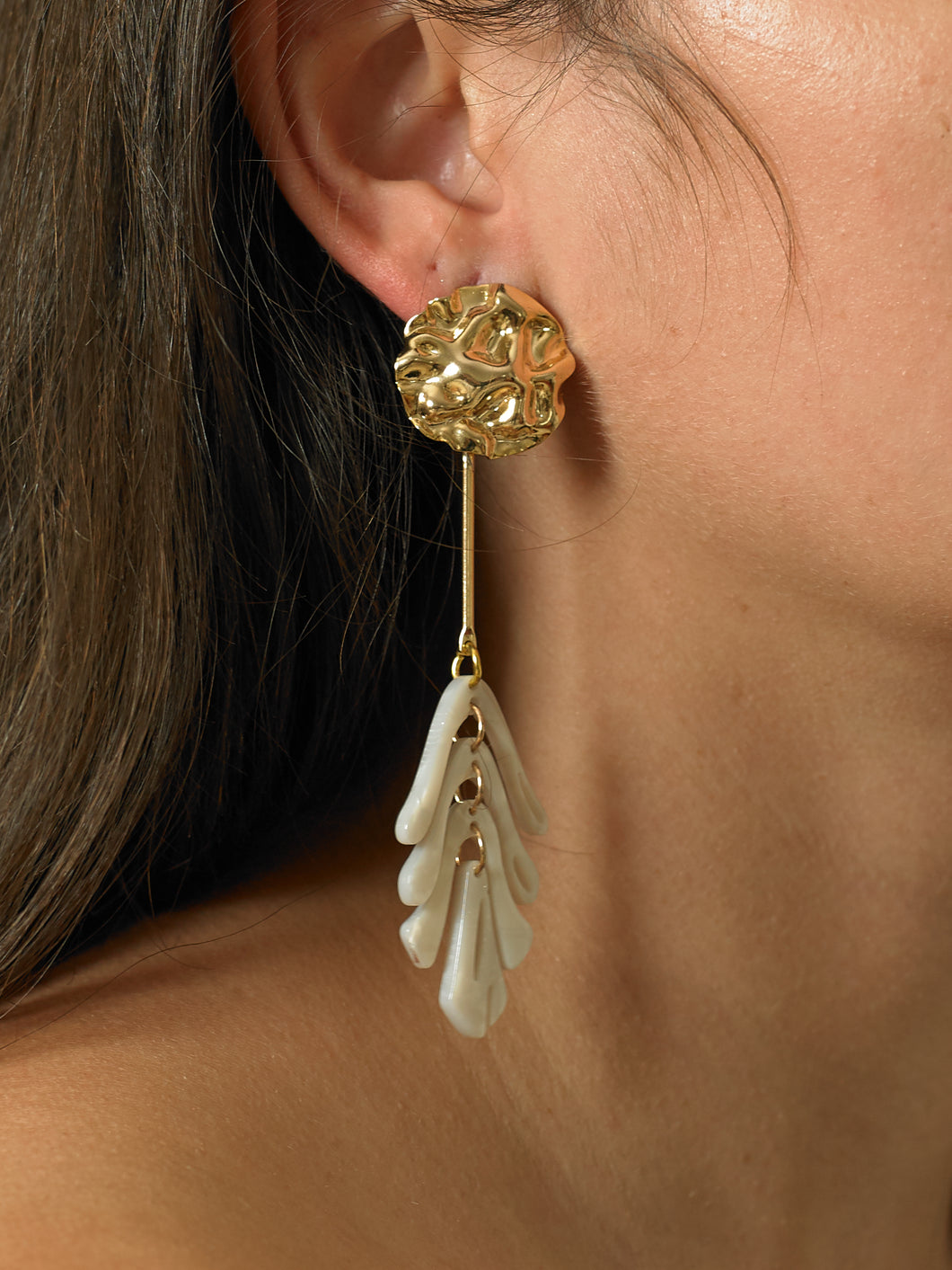 Isora Earrings - Gold/Perla