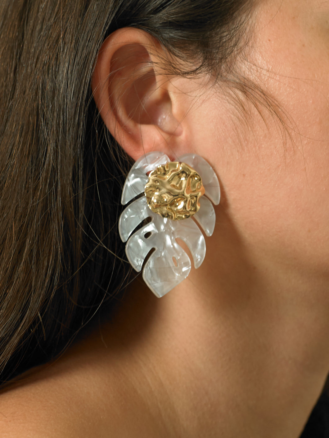 Araca Earrings - Gold/Perla