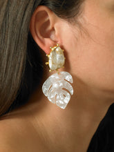 Load image into Gallery viewer, Saba Earrings - Gold/Perla