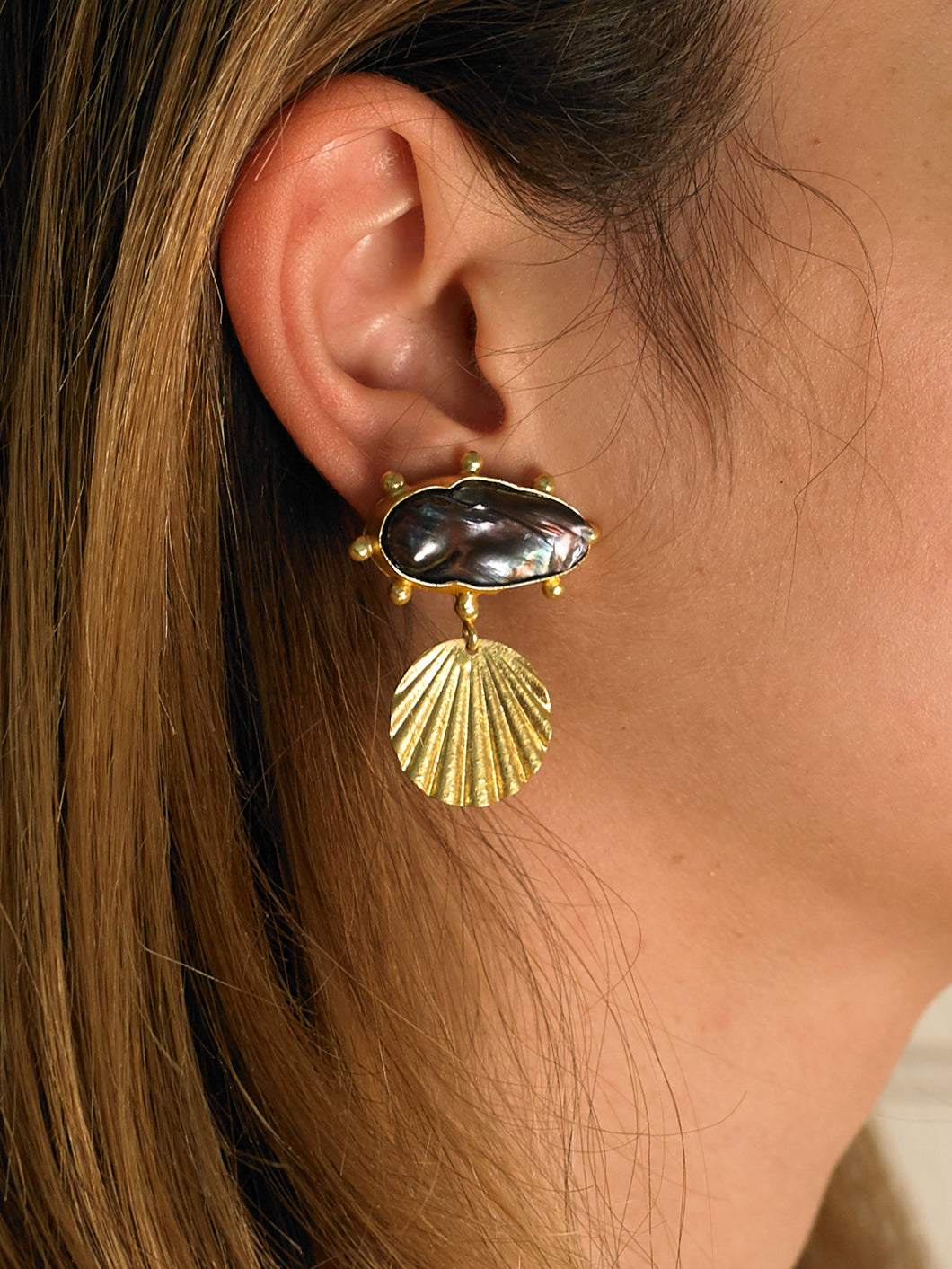 Almeta Earrings - Gold/Black