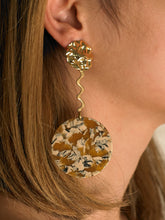 Load image into Gallery viewer, Arun Earrings - Gold/Beige