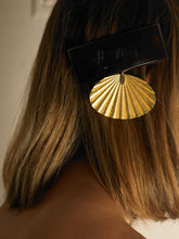 Load image into Gallery viewer, Andrina Hair Barrette - Gold