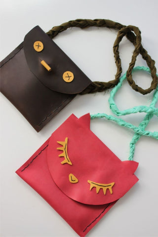 https://abeautifulmess.com/2013/11/leather-pouches-for-kids-diy.html