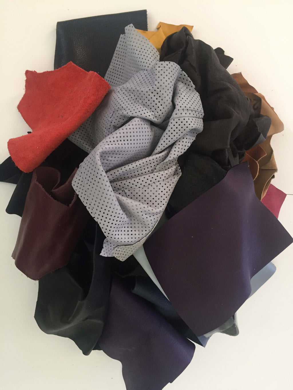 SALE Genuine Leather Scraps, Remnants Pieces Cowhide and Lambskin, Craft Projects, 1lb Mix Bag, Varios Colors,  DIY Material, Sewing Supply