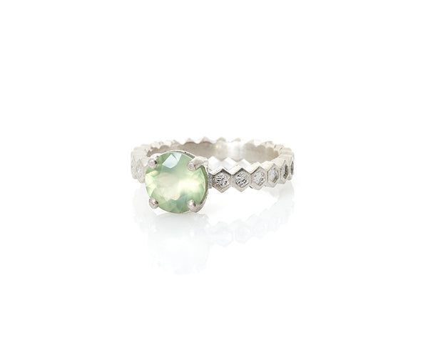 prehnite honeycomb ring in silver, flower cut prehnite, flower cut gem, honeycomb jewelry, peggy skemp jewelry, solitaire ring with green stone