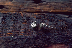 Earthworm Knot Stud Earrings
