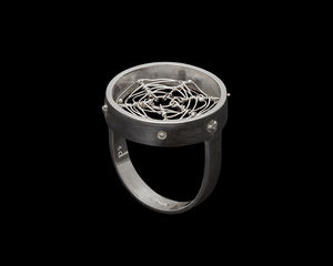 Orbweaver Circle Ring