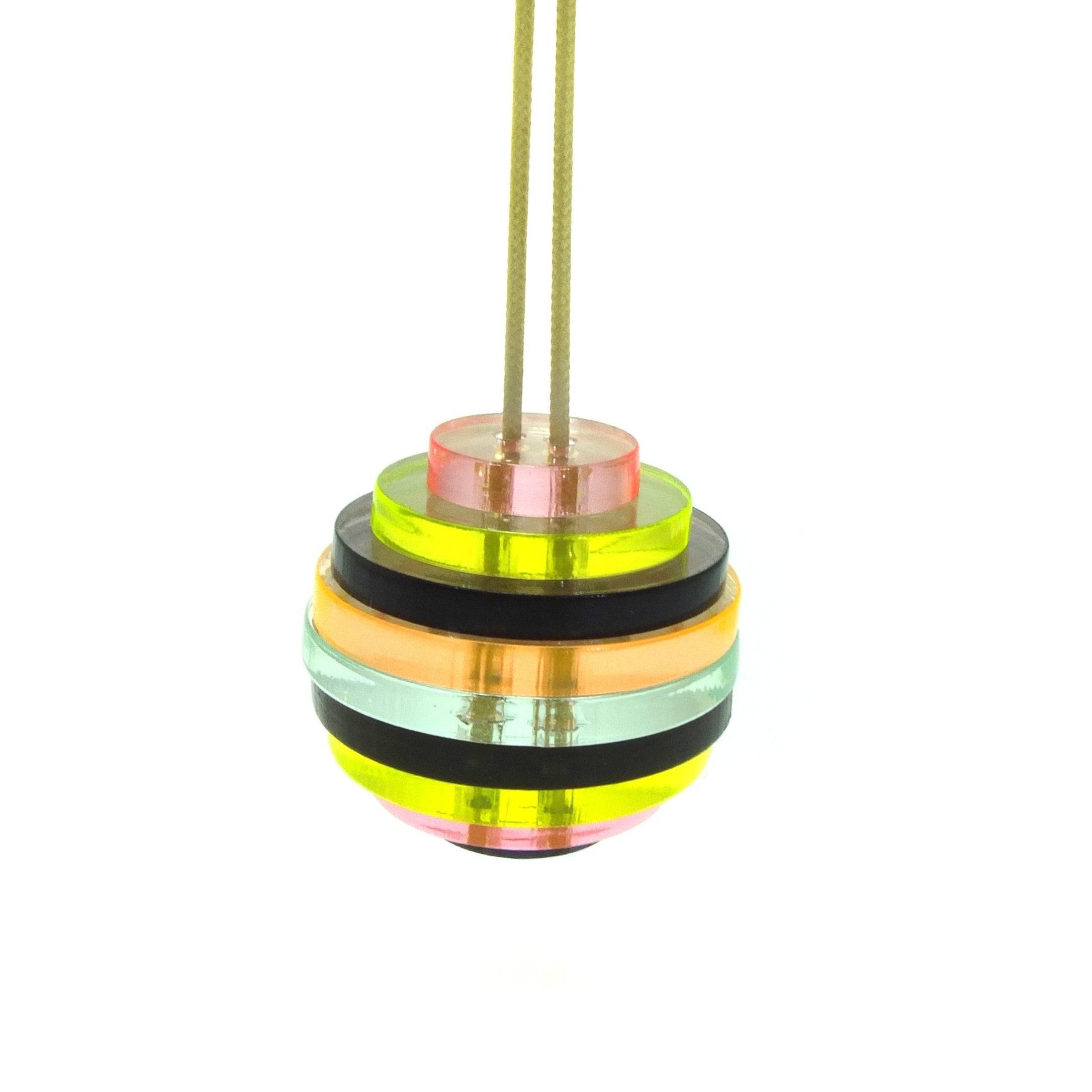 Sphere / pastel yellow