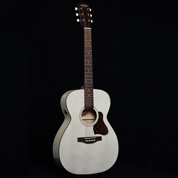 Art & Lutherie Legacy Faded Cream QIT (recent)