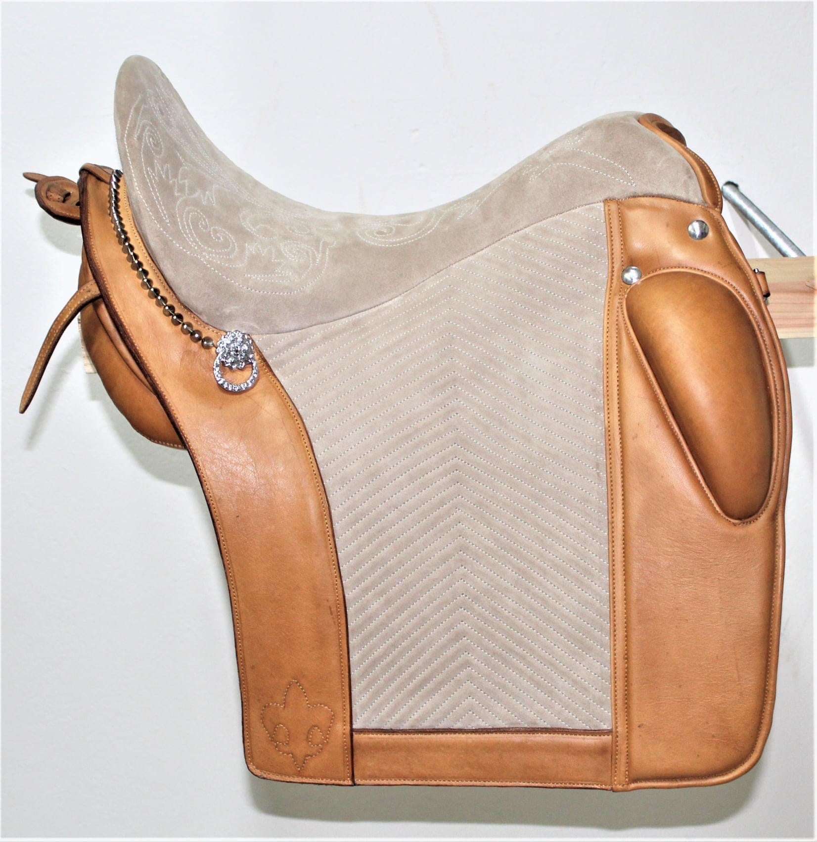 S0108 Custom handcrafted Portuguese saddle for working equitation