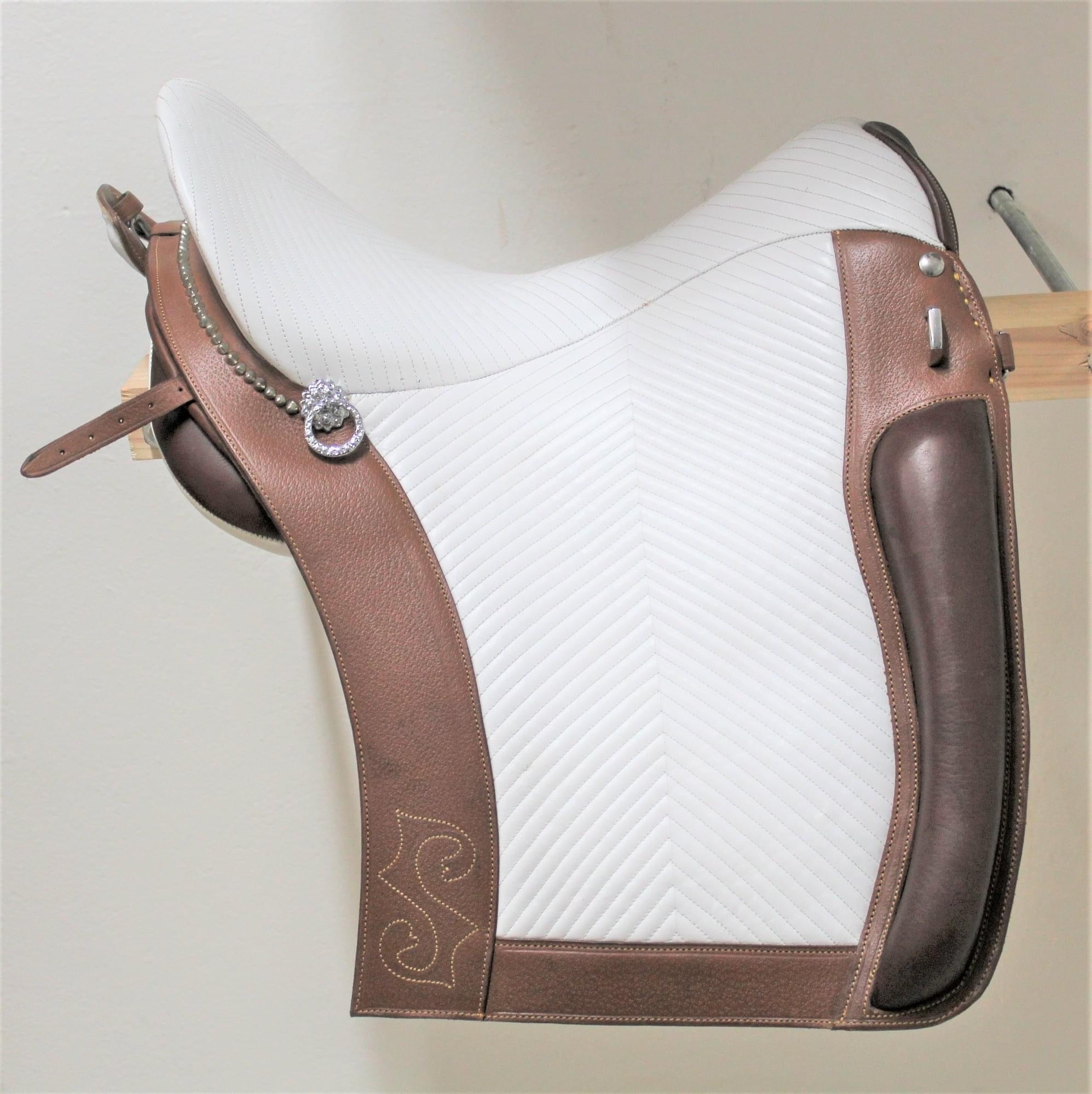 S0120 Handcrafted Portuguese Relvas saddle from VMCS