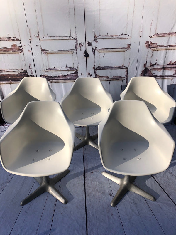Eero Saarinen Style Tulip Chairs By Maurice Burke For Arkana Model 116 Stamped