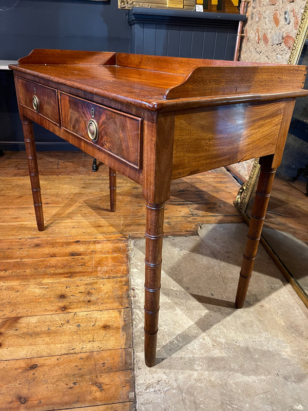 Exceptional Early Georgian Bamboo Leg Flame Mahogany Table