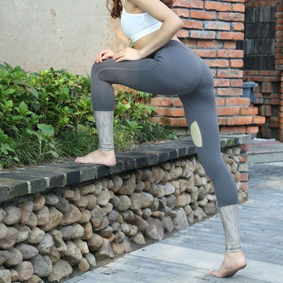 Dagny-leggings-Grey-S-leggings-Indira Active