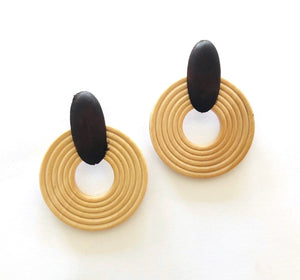 Wooden Hoop Earrings - Natural 1 Pair - Bamlife
