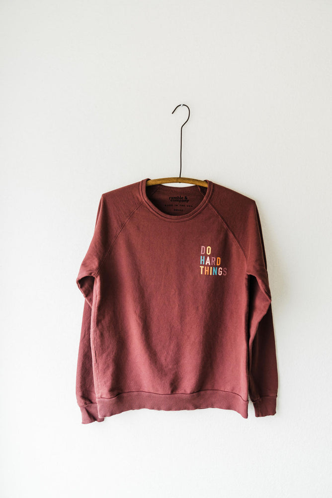 the do hard things raglan | oxblood