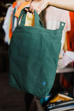 Load image into Gallery viewer, the cactus duck bag | eucalyptus