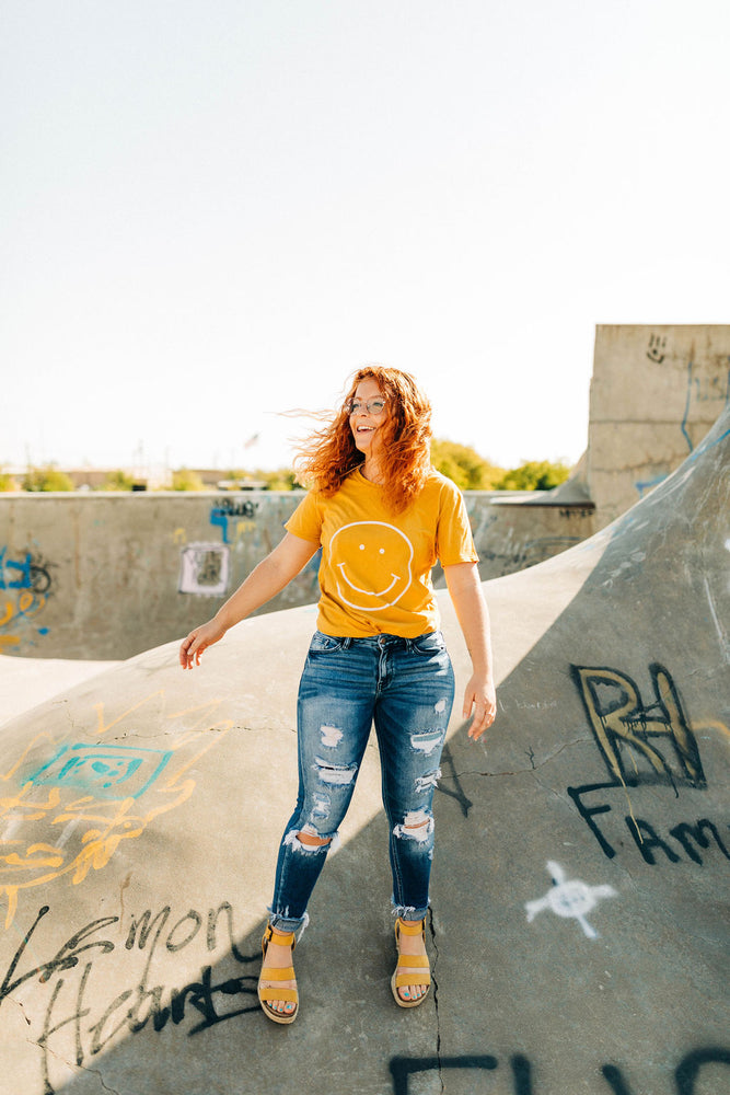 the smile tee | golden spice