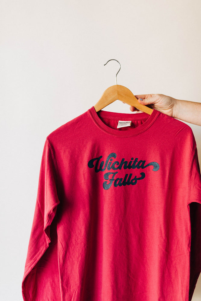 the falls groovy long sleeve | crimson