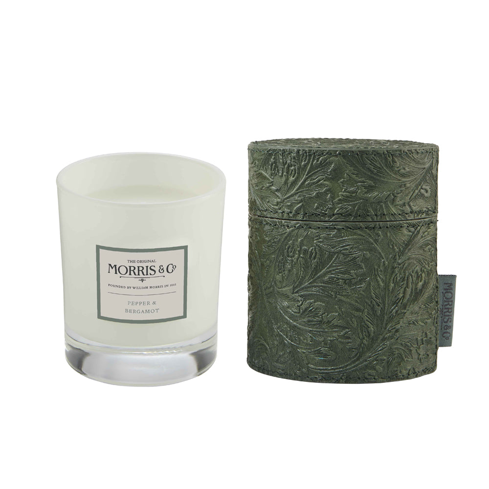 MORRIS HOME Suede & Amber Scented Candle  in fabric Drum 200g e 7.06 oz (Green)