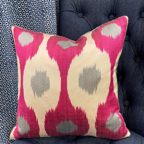 Velvet/silk cushion -  pink/grey
