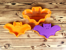 Load image into Gallery viewer, Bat Bath Bomb Mold Press