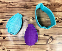 Load image into Gallery viewer, Grenade Bath Bomb Mold Press