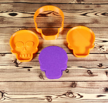 Load image into Gallery viewer, Skull Bath Bomb Mold Press