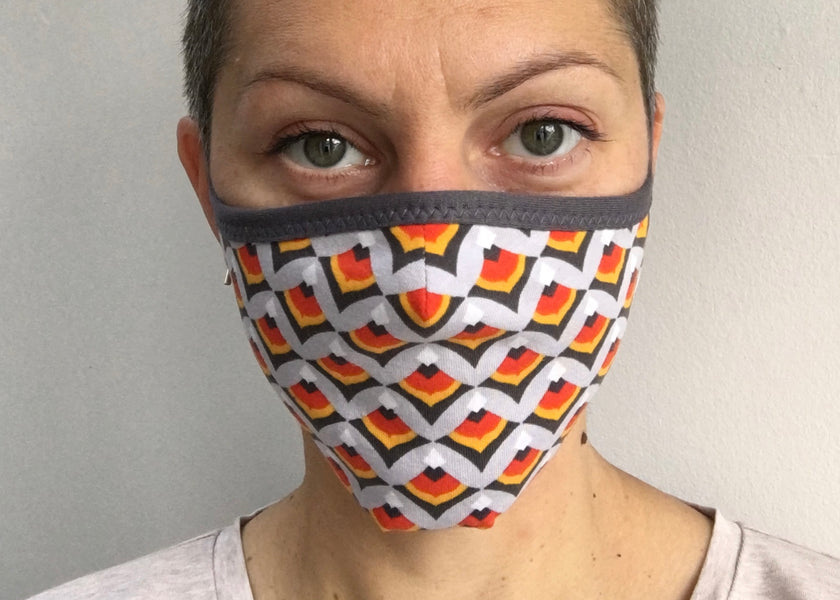 Face mask with bound edges - FREE pattern and tutorial!