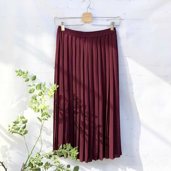 Uniqlo Accordian Pleat Pull On Midi Skirt NWT, Size S