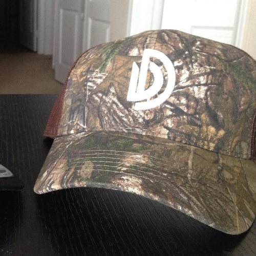Double D Hat CAMO/WHT