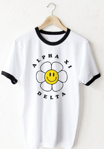 Smiley Flower Tee - Xi Boutique