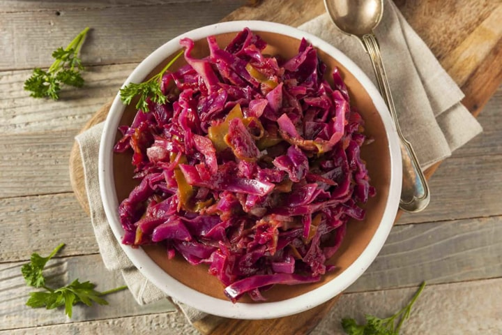 German Style Sweet & Sour Red Cabbage