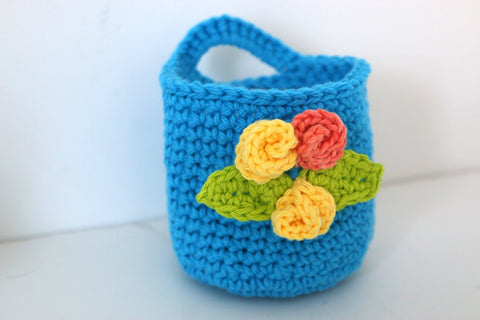 Crochet Bright Blue Basket with Round Face Scrubbies