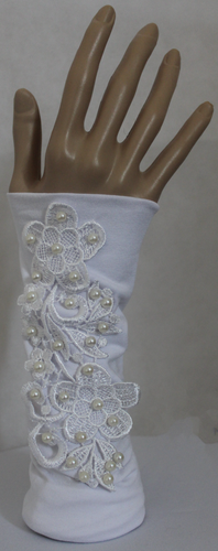 WHITE APPLIQUE SLEEVE