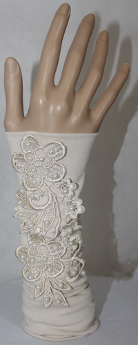 BEIGE APPLIQUE SLEEVE