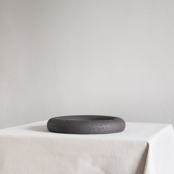 Minimal Raw Black Ceramic Ikebana Circle Vase